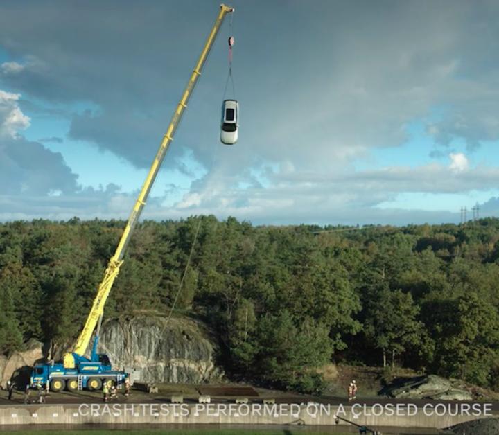 Con caídas de treinta metros, Volvo ayuda a investigar cómo salvar más vidas en accidentes de tránsito